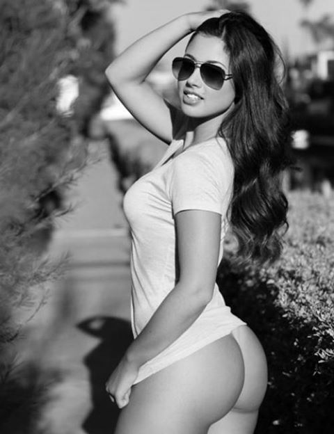 Awesome Babe wih Glasses